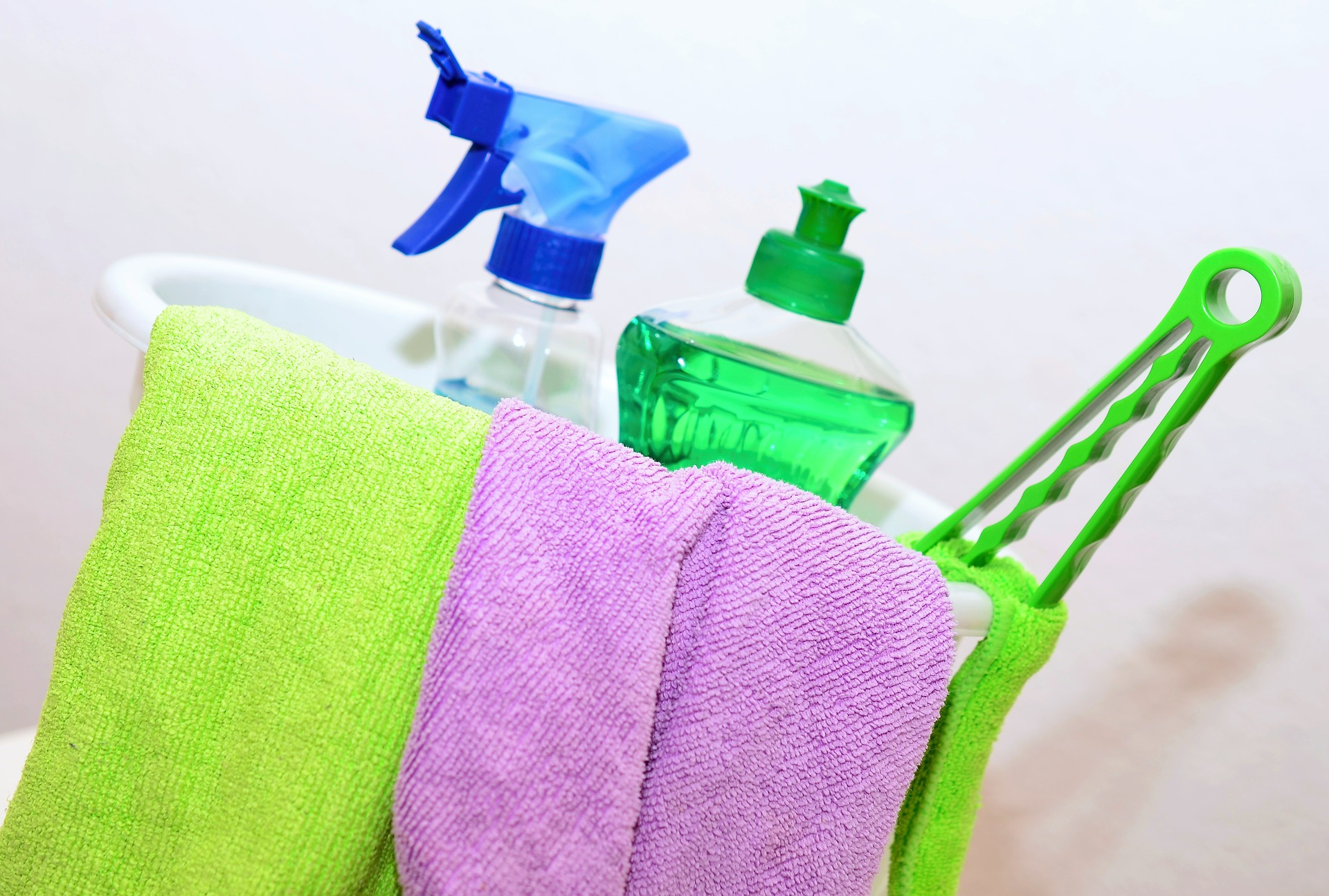 How to Hire a Housekeeping Service