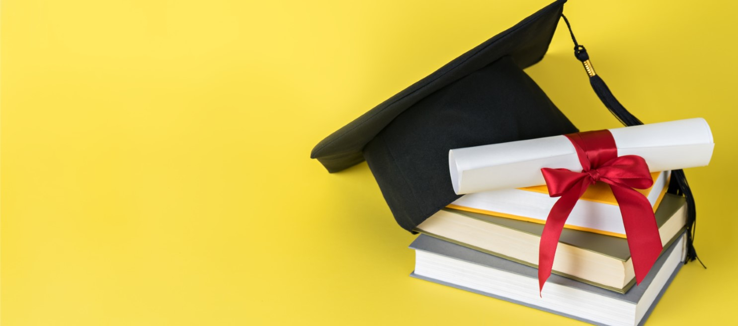 The Pros and Cons of Hiring a New Graduate